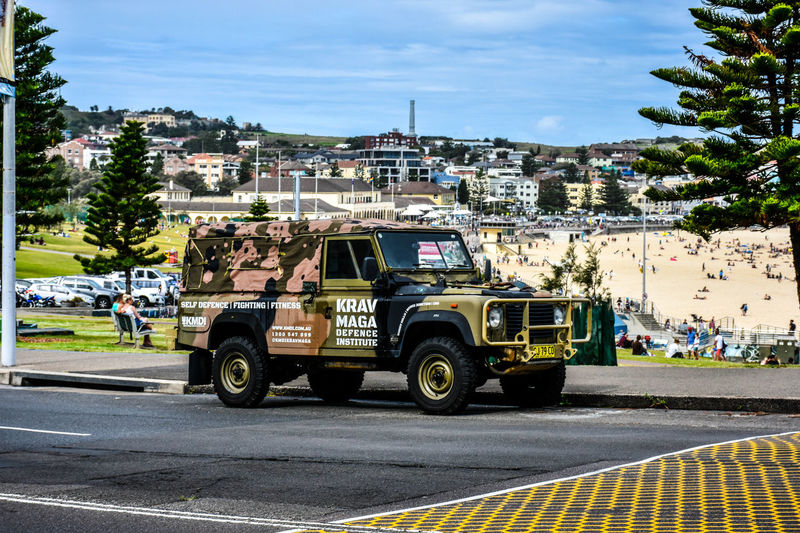 land rover defender 18-140mm Adapted To The City Architecture Bondi Beach Building Exterior Built Structure City Day Land Rover Defender Land Vehicle Nikon Nikon D7200 No People Outdoors Sky Transportation Tree