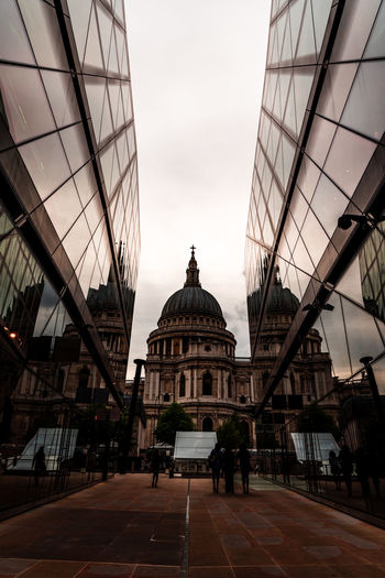 Built Structure Architecture Sky Building Exterior Dome City Building Group Of People Travel Nature Incidental People Real People Travel Destinations Clear Sky Outdoors Modern People Tourism Men Day St Paul's Cathedral London England