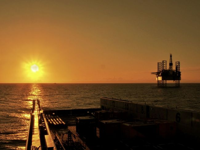 psv Oil Industry Sea Sunset Industry Offshore Platform Sunlight Gasoline No People Sky AmatorPhotographer Seamanlife Horizon Over Water Northsea Pic Enjoying The Sun Beutiful  Beutiful  Sunshine Olympus Pen Sun