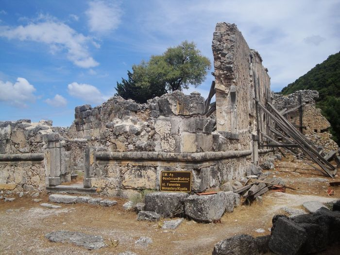 Sami Cefalonia Grecia Old Ruin History Ancient Archaeology Ancient Civilization The Past Cloud - Sky Damaged Sky Architecture Day Travel Destinations Built Structure Monument Outdoors Bad Condition No People Nature Femalephotographerofthemonth 43GoldenMoments Taking Photos Popular Photos