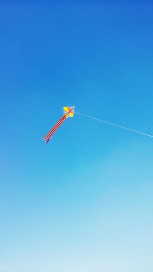 Fly a kite -by Minkyu.KYUN Kite Blue Sky Korea Traditional Play Suwon, Korea Sunnyday☀️ Funny Family Time Flying First Eyeem Photo Happiness Enjoy Time
