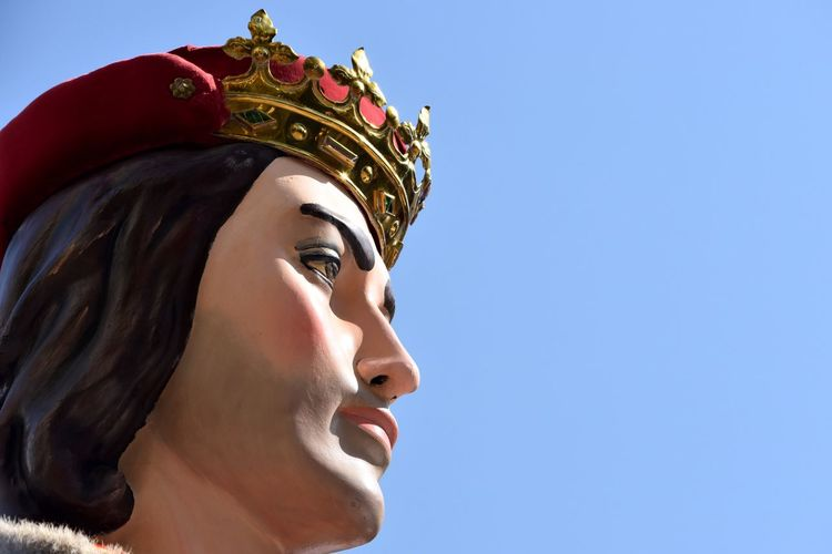 Close-Up Of King Statue Against Clear Sky