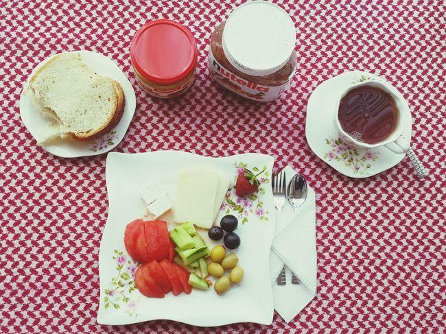 Breakfast Bread Nutella Koska Berry Red çilek Kahvaltı Myhome Alone