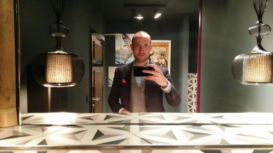 I don't take Selfies but when I do then in Posh Restaurant Washing Rooms. · Hamburg Germany 040 Hh Selfie That's Me That's Me :) Hi Mirror Bathroom Decoration Lighting