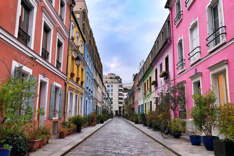 Rue Crémieux Streets Of Paris Building Exterior Architecture Built Structure Direction The Way Forward Diminishing Perspective Building