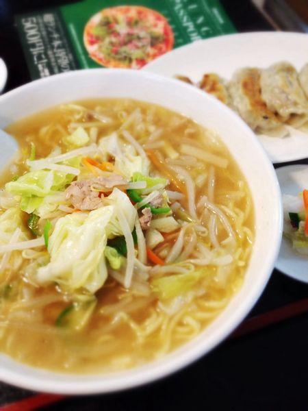 ほたるの菜彩麺と餃子をランパスで。つーか、ランパス使わなくったって700えん♪ Iphonegraphy Lunch Passport