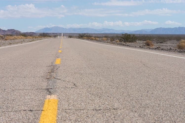 Route 66 Road Road Trip Mountains Mojave Desert Amboy California Live For The Story