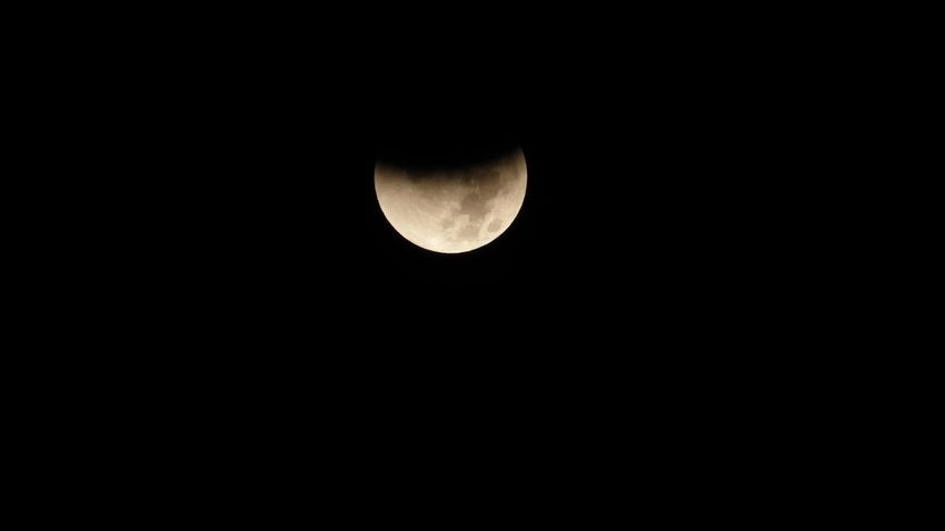 Beautiful Dark Eclipse Eclissi Like Luna Moon Nature Nature_collection Photo Pic Sky Nature Photography