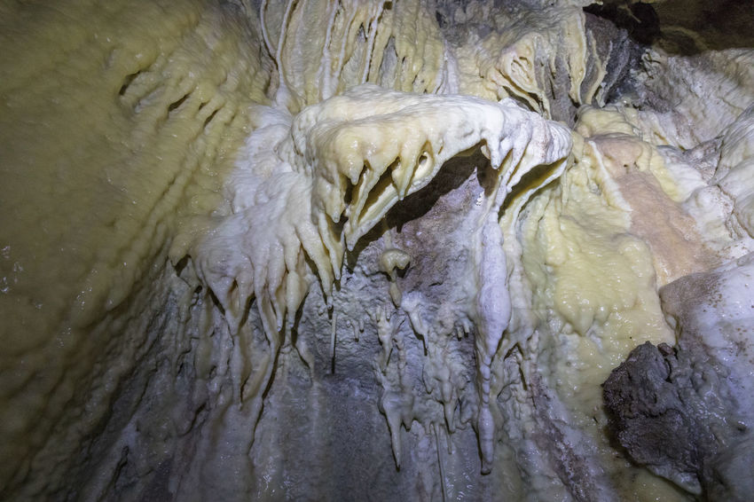 """White chamber"" with beautiful stalactites and structures in Aspfjordgrotta Bizarre Dark Natural Pattern Rock Formation Stalactite  Textured  Underground Aspfjordgrotta Awe Beauty In Nature Cave Close-up Dramatic Landscape Extreme Terrain Geology Indoors  Limestone Nature No People Nordland County Outdoors Power In Nature Rock - Object Wet White Color"