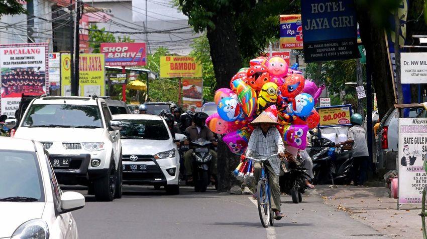 Denpasar Bali Bali Natura Bali, Indonesia Balispirit Balloons City City Life City Street Islandlife Jeanmart Joseph Jeanmart Land Vehicle Mode Of Transport Natura Pure Real Real Life Road Street Tourism Tourisme Thestreetphotographer2016eyeemawards
