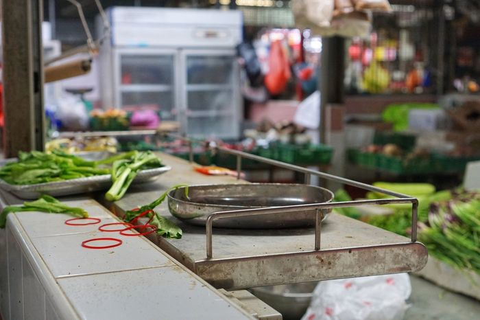 Food And Drink Focus On Foreground Close-up Freshness Day Ascension Day Local Market Lifestyles Today :) Morning Market Food Vegetable Bowl Messy Table