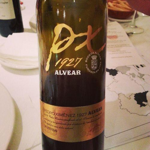 Para terminar con los Viños Andaluces un PX . Una cata mu y interesante y bien organizada con buena eleccion de los vinos (aunque he echado en falta alguno de mis amigos de GonzalezByass a la Proxima