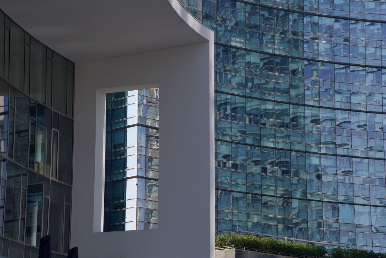 architecture, built structure, building exterior, window, modern, building, day, no people, city, outdoors