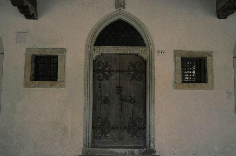 Door Simple Elegance Symmetry Architecture