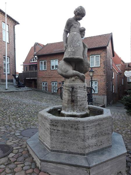 Sculpture Statue Outdoors November Schleswig-holsteinische-schweiz Gänseliesel