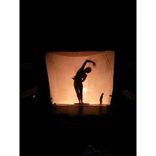 Hay cosas que están cambiando!! Cirque Cirquefarouche Blast France Cirqueincali Circoacrobatico Teatrojorgeisaacs Acrobat Music Art Amazing Cali Colombia Huawei