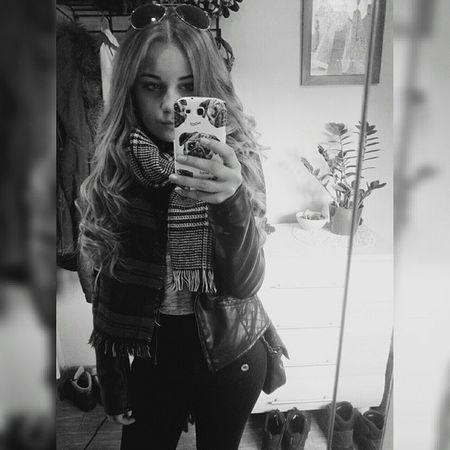 Goodmorning Hieveryone Polishgirl Instagirl sunnyday longhair pugs pugscase ootd winterbreak goodday instafashion blackandwhite dark black selfieinmirror selfie tagsforlikes ilikehashtags curlyhair instapic picoftheday byebye 💁