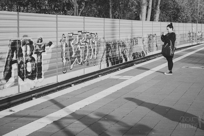 Streetphotography_bw Streetphoto_bw Streetphotography Graffiti