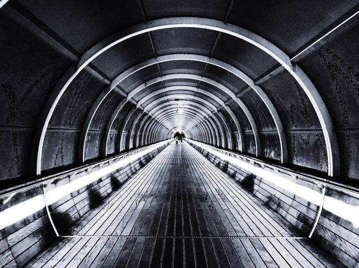 Last train to trancentral Tunnelvision TUNNELVIEW Blackandwhite Photography Ns Nos The Way Forward Architecture Direction Built Structure Diminishing Perspective Transportation Arch vanishing point Tunnel Railing Footpath No People The Architect - 2018 EyeEm Awards #urbanana: The Urban Playground