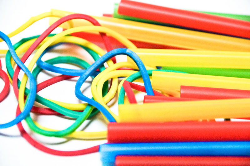 Choice Gummiband Stretchy Arrangement Backgrounds Bunt Cable Choice Close-up Collection Colored Pencil Colorful Connection Day Flexibility Group Of Objects Indoors  Large Group Of Objects Multi Colored No People Office Supply Plastic Rubber Rubber Band Stack Still Life Stretch Stretching Studio Shot Table Technology Variation White Background End Plastic Pollution
