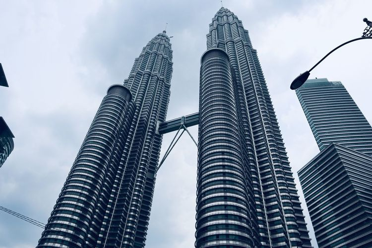 Twin Towers Kuala Lumpur clicks Tallest Structure  Tallest Building EyeEm Selects Low Angle View Architecture Sky Tall - High Built Structure Building Exterior City Skyscraper Cloud - Sky Building Travel Destinations EyeEmNewHere