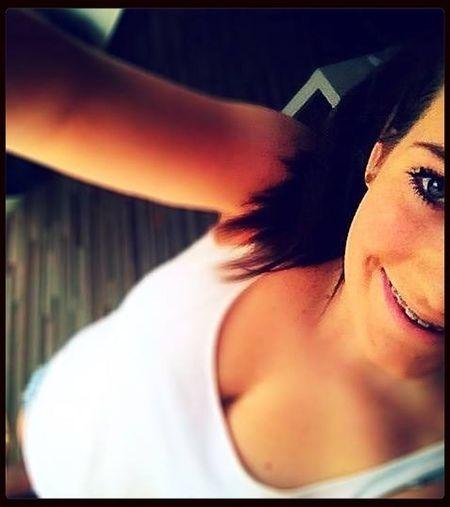Egal Wie Stark Ein Mädchen Ist, Wenn Sie Verliebt Ist, Ist Sie So Verletzlich Wie Ein Kleines Kind.!