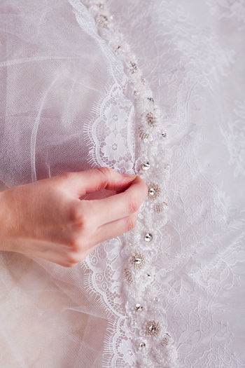 Cropped hand stitching wedding dress
