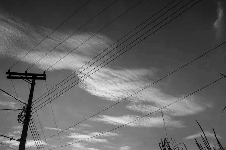 Sky Lines 2 Cable Cloud - Sky Connection Day Electricity  Electricity Pylon Fuel And Power Generation Julhofragaphotography Low Angle View Nature No People Outdoors Power Line  Power Supply Sky Technology Telephone Line