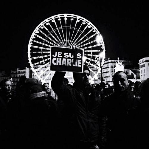 Morts le crayon à la main. Charliehebdo Jesuischarlie Liberté