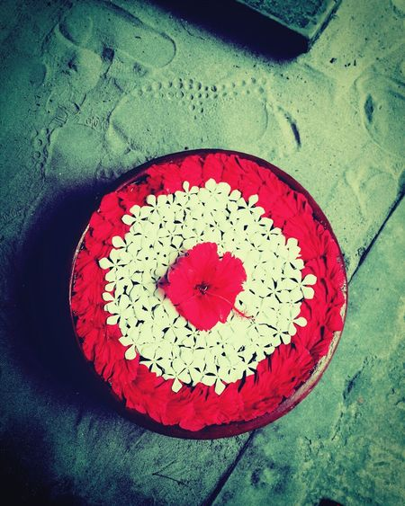 Circle Close-up Red Indoors  No People Vertical Love Structure Photography Closeupphotography Beauty In Ordinary Things