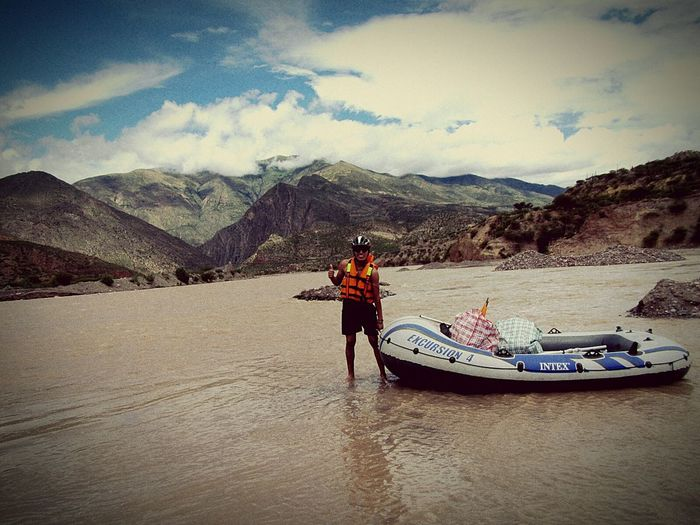 """De Canotaje por río Mantaro fue una excursión extrema en poca escala, ya que esta temporada el caudal de río esta alta. Visita la belleza natural de mi ciudad """"La Esmeralda de los Andes"""" Huanta. Excursiones y visitas guiadas: Canotaje, Camping, Trekking, EcoCyclingtours, Paseos en movilidad... Helí Aristóteles Cel... 988535080 rpm *0002717 / Claro 991379496 / aristoteles60@gmail.com heliaristoteles"""
