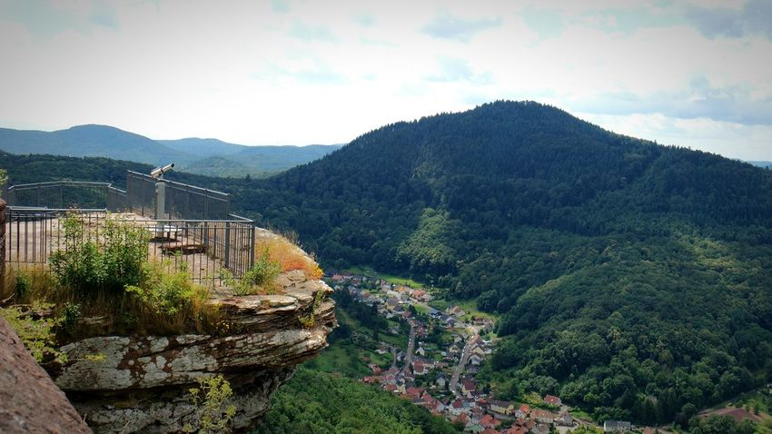 auf der Trifels Burg... Hiking Trail Hikingadventures Trifelsland Full Frame Annweiler Rocks Adventure Club Pfalz Showcase July