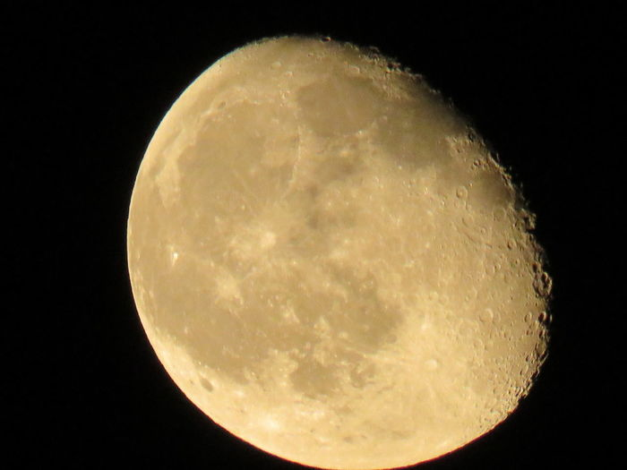 After a full week of clouds and rain the moon shines brightly tonight. Moon JustGPhotos Photography Nightphotography Solar System OpenEdit Popular Photos
