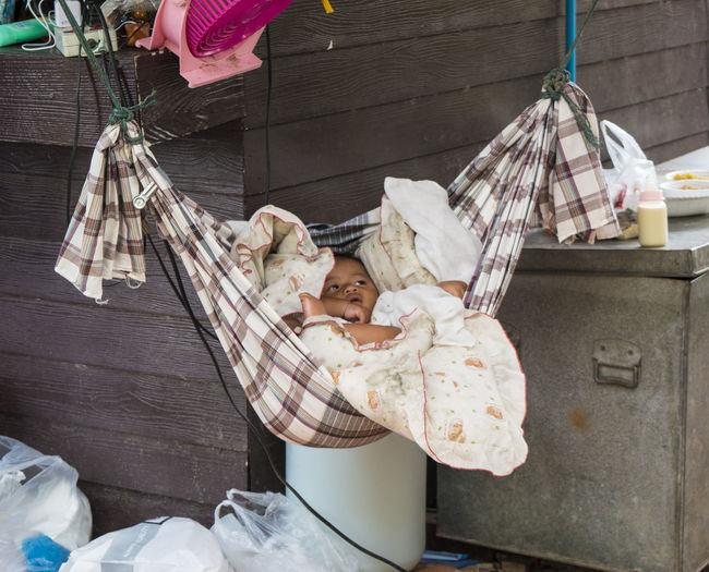 Bambino Bangkok Child Culla Little Child Neonato Scatti Rubati Sleep Stolen Shot Street Photography Streetphotography Thailand Thailandia People And Places.