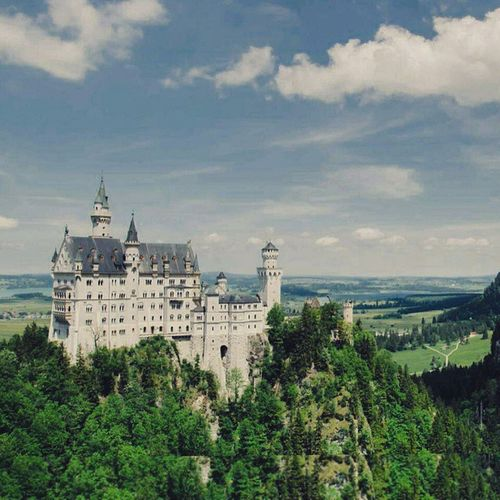 I wanna go to this Beautiful 🏰😍 Castle Instadaily Pict