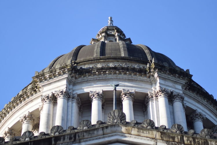 Washington State Capitol Campus EyeEm Best Shots EyeEmNewHere Taking Photos Architectural Column Architecture Blue Building Building Exterior Built Structure City Clear Sky Day Dome Façade Government History Low Angle View Nature No People Ornate Sky The Past Tourism Travel Travel Destinations The Architect - 2018 EyeEm Awards