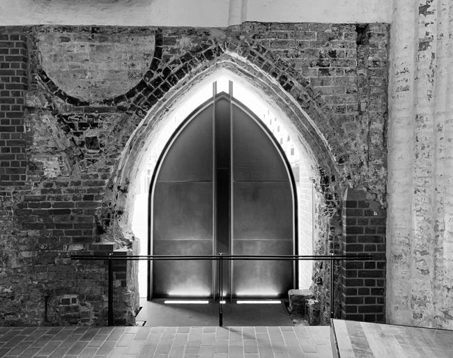 SANKT KATHARINEN. Capture Check This Out Photographer Photooftheday Photography EyeEmBestPics EyeEm Selects EyeEm Best Edits EyeEm Best Shots Blackandwhite Photography Blackandwhite Black White Architecture Arch Built Structure Entrance Door Building Exterior No People Building History Closed The Past Old Doorway Wall Outdoors Wall - Building Feature Religion A New Perspective On Life
