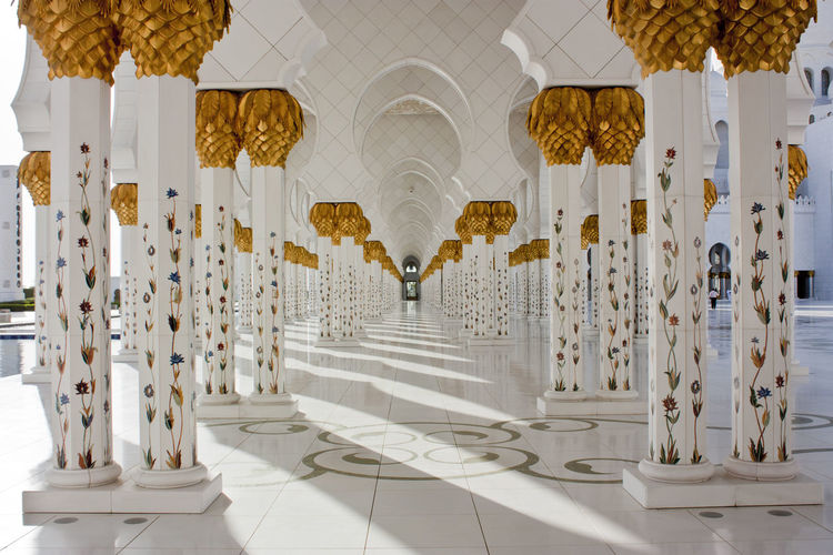 Abu Dhabi Abu Dhabi Grand Mosque Columns Columns And Pillars El Zayed Mosque Marble Mosaic Mosque Mosques Of The World