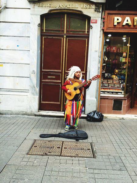 Beyoğlu Istanbul Istiklalcaddesi Istanbullovers Music Musician Photography Istanbul City Taksimbeyoglu