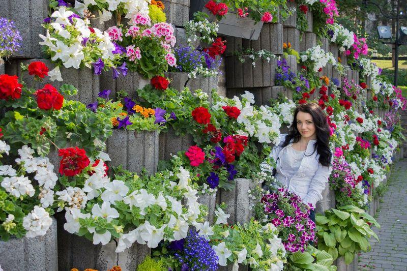Flowers Flowers In The City Good Mood :) Good Trip Good Weather:) Me Flowerwall Kamenets-Podolsky Ukraine Ukrainian Girl Ukraine, Kamenets-podolsky Wall Of Flowers