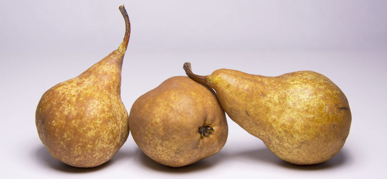 Kaiser golden pear, juicy sweet delicious snack Snack Delicious Healthy Juicy Fruit Kaiser Kaiser Pear Pear Fruit Sweet