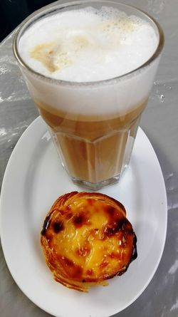 Pastel de Nata and Galão on Market in Lisbon Close-up Focus On Foreground Freshness Galao Lissabon Pastel De Nata Time Ready-to-eat Refreshment Serving Size Still Life