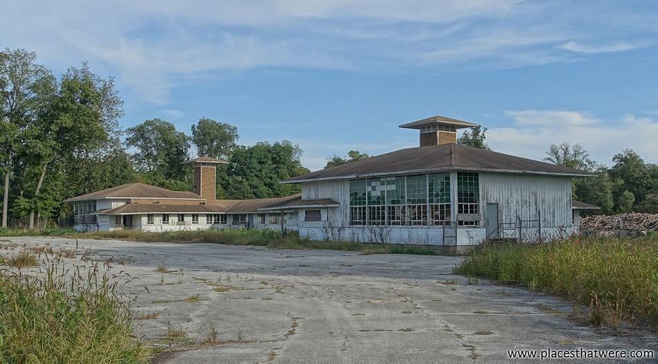 New Article today: Kingsbury Ordnance Plant - Incredible Abandoned WWII Ammunition Factory http://www.placesthatwere.com/2017/04/kingsbury-ordnance-plant-abandoned-Ammunition-Factory.html Architecture Ruins Military LaPorte WWII Abandoned Creepy Kingsbury Forgotten Place Eerie Beautiful Rust Belt Abandoned & Derelict Abandoned Building Urban Exploration Cloud - Sky Abandoned Places Abandoned Buildings Outdoors Urbex Indiana La Porte Eerie Ammunition Ammo Brick
