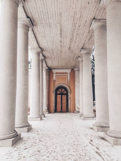 Architecture Built Structure Architectural Column Building Indoors  Arcade Corridor No People Day History Wall - Building Feature The Way Forward Arch Flooring Ceiling The Past Colonnade Entrance Empty Ornate