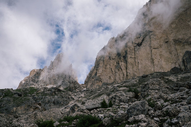 Rosengarten Nature Mountain Rock Beauty In Nature Scenics - Nature No People Geology Rock - Object Non-urban Scene Solid Sky Physical Geography Environment Smoke - Physical Structure Day Land Cloud - Sky Tranquility Rock Formation Mountain Range Formation Outdoors Power In Nature