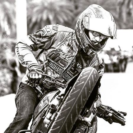 Bike stunt @ponrajanvikram Bikestunts Biker Bikelife Bike Chennai Ghostrider Ghostriders Ponrajanvikram Halvat