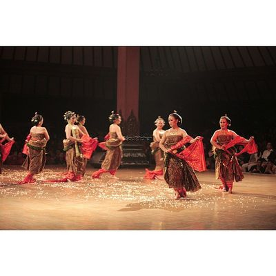 MIBER Oyikk Worlddanceday Solovely Instadaily indonesia dance dancers javanese