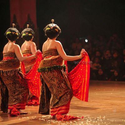 BACK VIEW Oyikk Worlddanceday Solovely Instadaily indonesia dance dancers