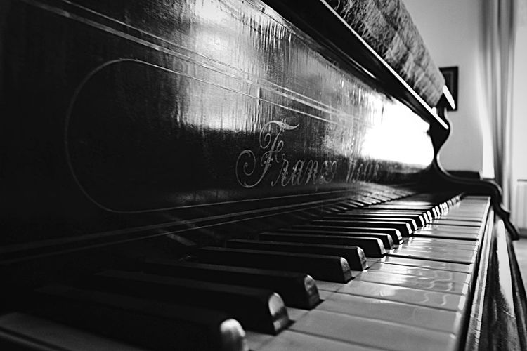 Music Piano Vintage Vintage Piano Vintage Shopping Instruments Instrument Old Oldschool Carpet
