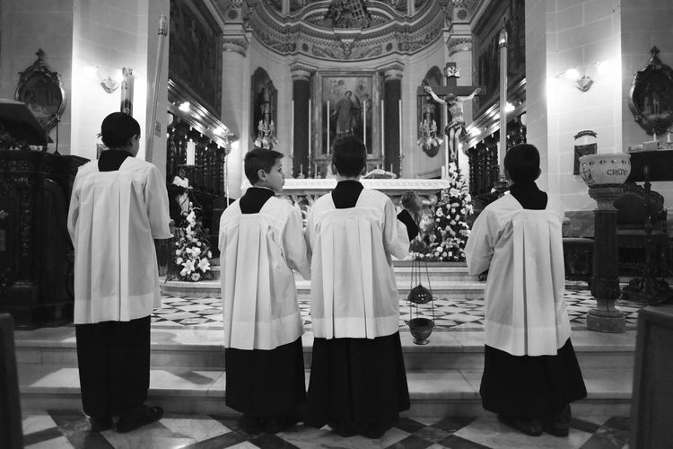 Alter Botanischer Garten Blackandwhite Botany Candle Candlelight Choir  Choir Boys Church Cultures Full Length Holy Indoors  Jesus Mass Men People Place Of Worship Pray Praying Real People Religion Spirituality Vatican VaticanCity Women